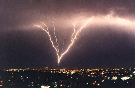 قوة الرعد Lightning